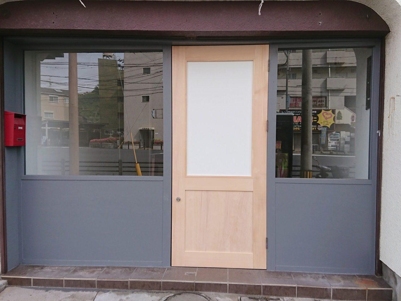 店舗入口 米杉框組ガラス戸
